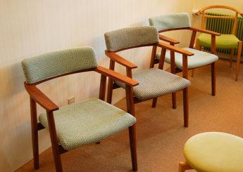 【コーディネート事例】長野市 甘利内科呼吸器科クリニック様 「患者様の心が和む待合室と患者様ときちんと向き合える診察室をつくりたい」