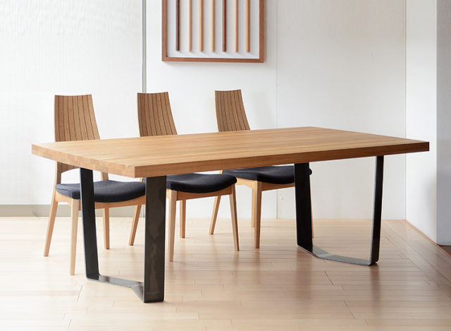 GRAND TABLE GRT-1890